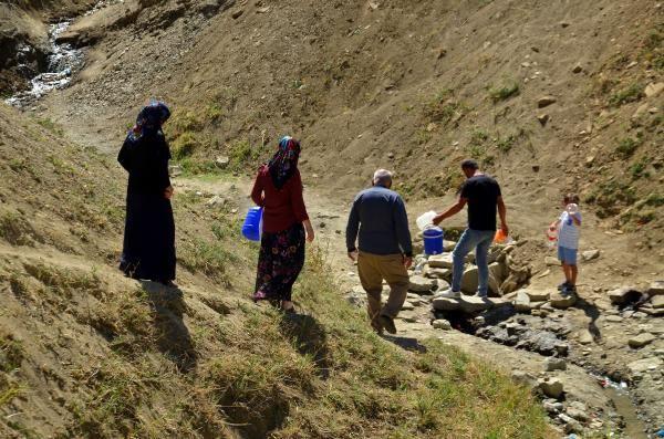 'Şifalı' sanılan pis suyu içmek için Türkiye'nin dört bir yanından Muş'a geliyorlar - Sayfa 2