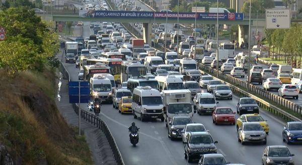 İstanbul'da trafik mesaisi erken başladı - Sayfa 3