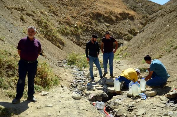 'Şifalı' sanılan pis suyu içmek için Türkiye'nin dört bir yanından Muş'a geliyorlar - Sayfa 3