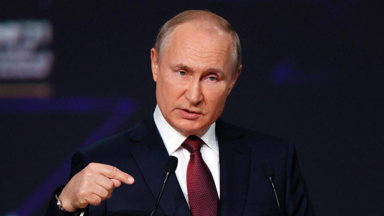 Rusya Devlet Başkanı Putin koronavirüs nedeniyle karantina altına alındı!