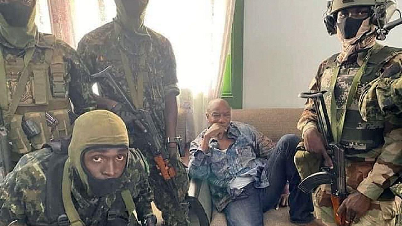 BM: Gine'de darbeden sonraki sürece halk karar vermeli