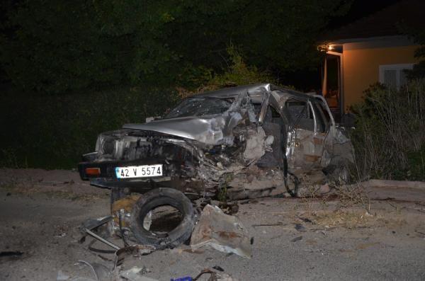 Kamyonet ile hafif ticari araç çarpıştı: 1 ölü, 2 yaralı - Sayfa 2