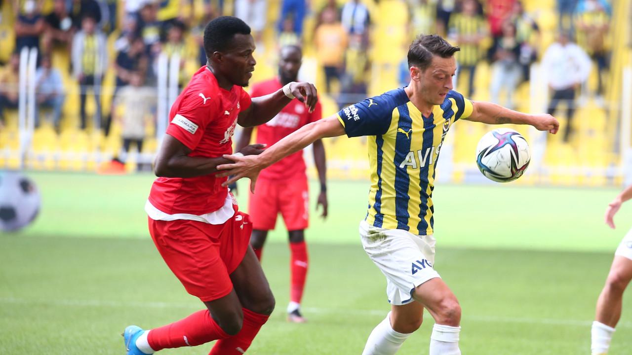 Fenerbahçe'de Mesut Özil bilmecesi