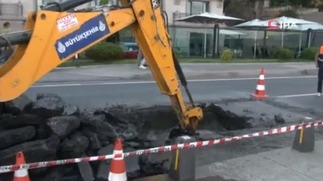 Sarıyer'de İSKİ borusu patladı, ana cadde çöktü