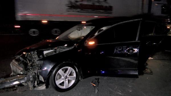 Kaza yapan sürücüye yardım için gelenlere otomobil çarptı: 1 ölü 6 yaralı - Sayfa 1
