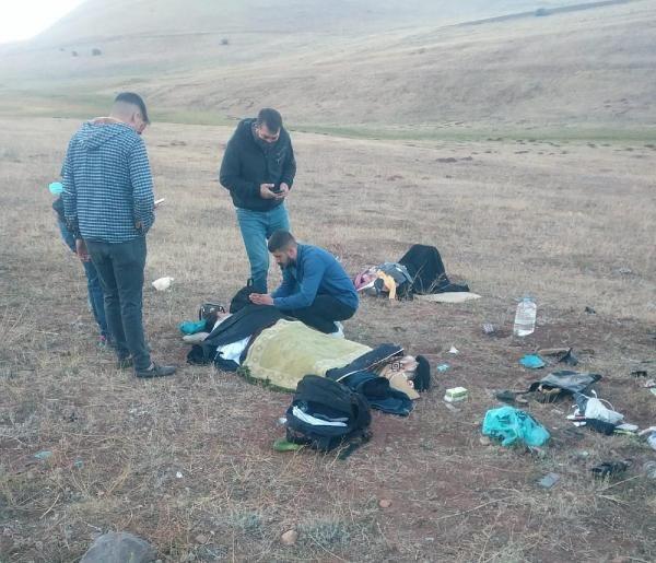 Şarampole devrilen otomobildeki 1 bebek öldü, 3 kişi yaralandı - Sayfa 1
