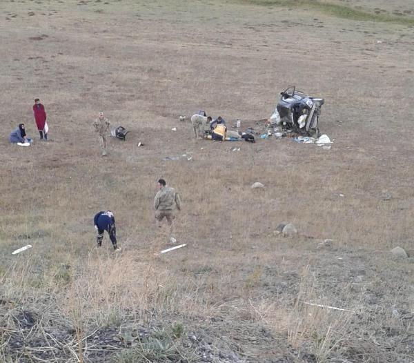 Şarampole devrilen otomobildeki 1 bebek öldü, 3 kişi yaralandı - Sayfa 2