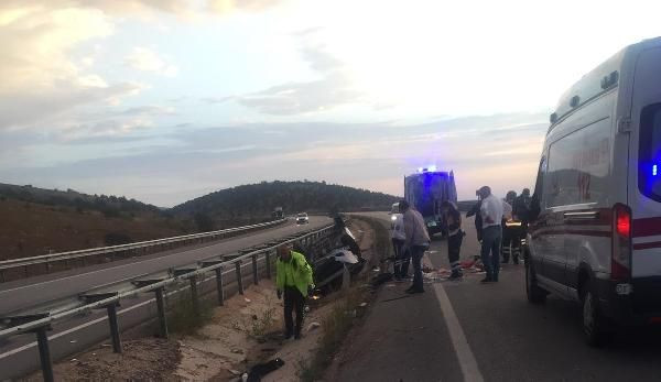 Üniversiteye kayıt yolunda kahreden kaza: Sürücü öldü, eşi ve 2 çocuğu yaralı - Sayfa 1