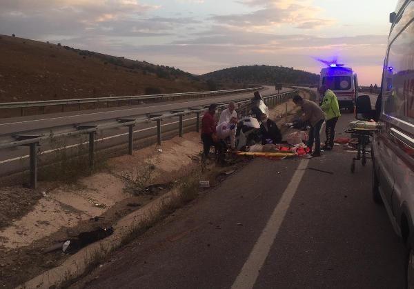 Üniversiteye kayıt yolunda kahreden kaza: Sürücü öldü, eşi ve 2 çocuğu yaralı - Sayfa 3