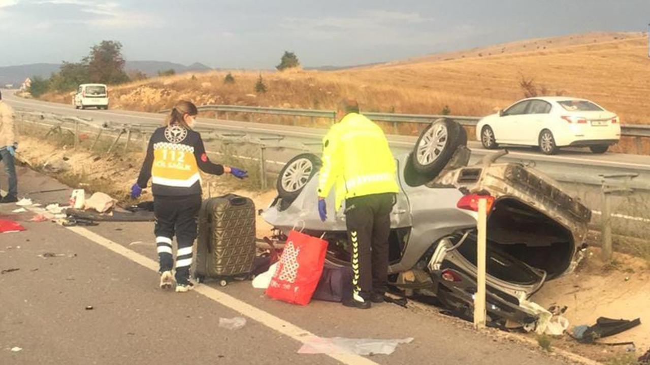 Üniversiteye kayıt yolunda kahreden kaza: Sürücü öldü, eşi ve 2 çocuğu yaralı