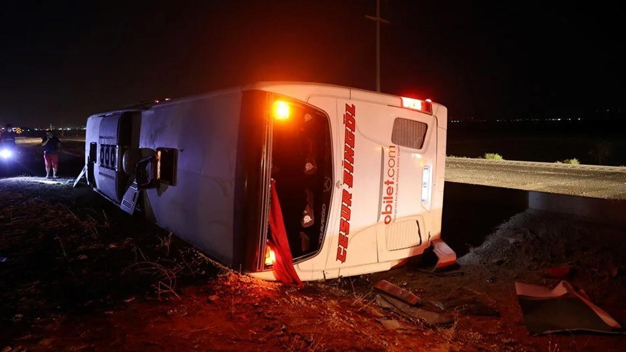 Konya'da yolcu otobüsü devrildi: 14 yaralı