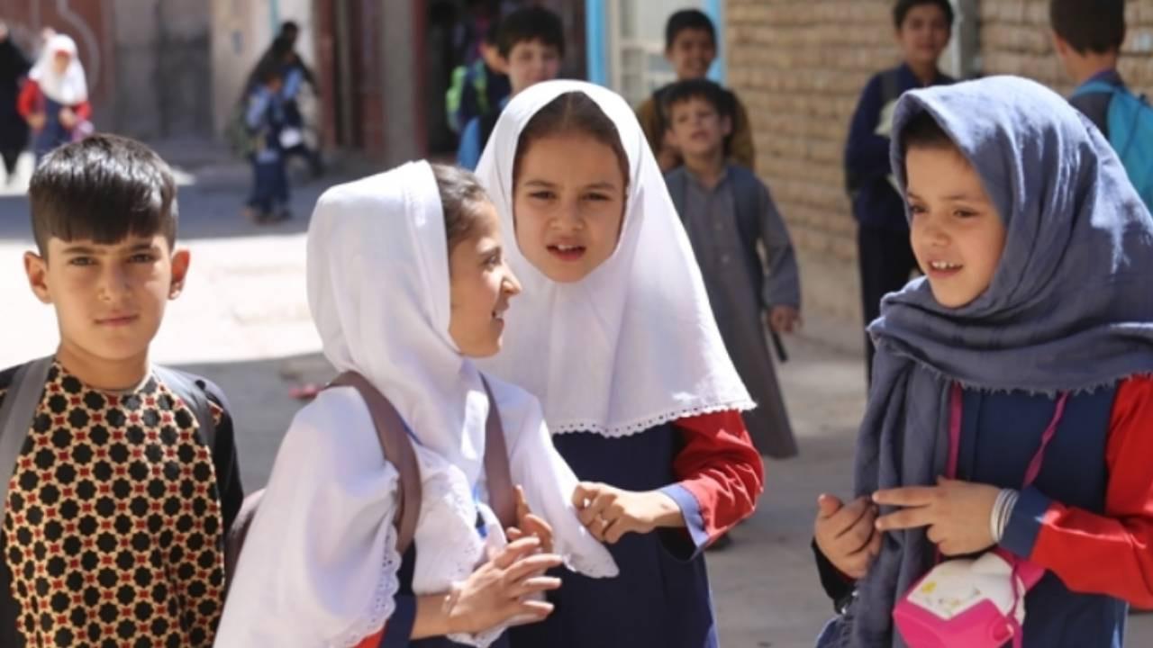 Taliban kız öğrenciler için 'şart'ını açıkladı!