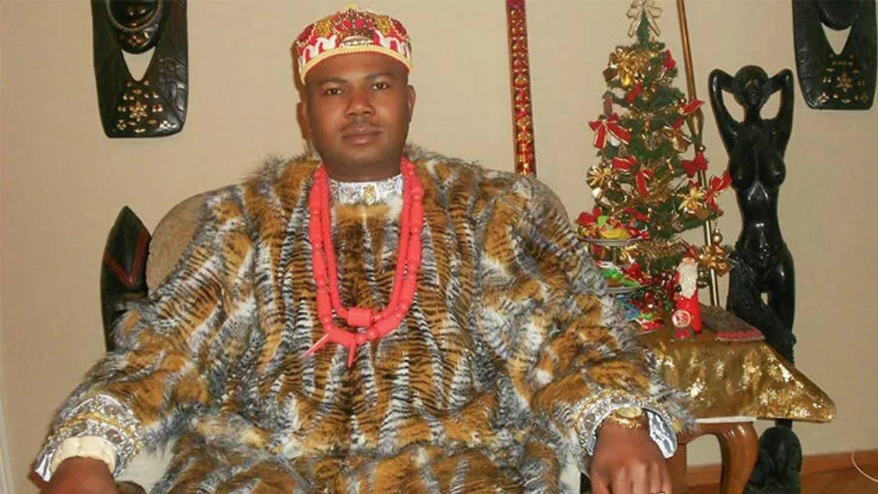 """Nijeryalı """"kral"""" Gürcistan'da belediye başkanı olmak için yarışacak"""