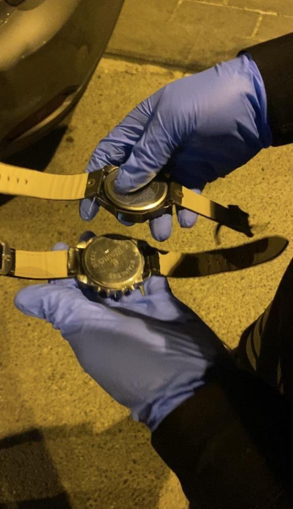 İstanbul'da kol saatinde kokain satmaya çalışan torbacılar polisine yakalandı - Sayfa 1