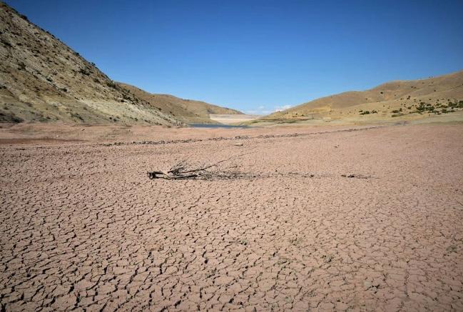 Kuraklık vurdu, baraj çöle döndü! - Sayfa 3