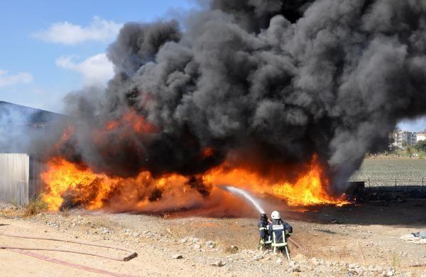 Antalya'da geri dönüşüm deposunda yangın - Sayfa 2