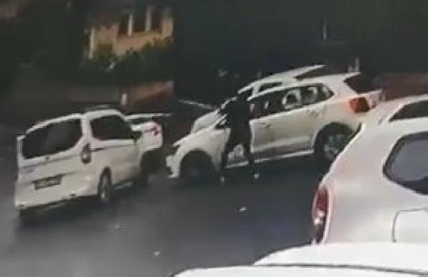 Önünü kestiği otomobilin sürücüsüne kurşun yağdırdı - Sayfa 3