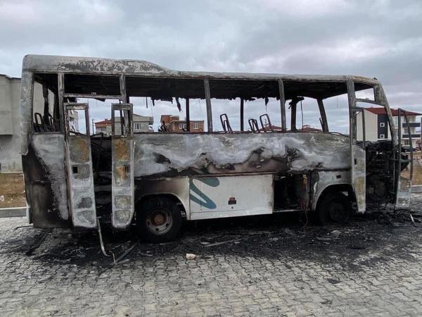Park halindeki midibüs alev alev yandı - Sayfa 3