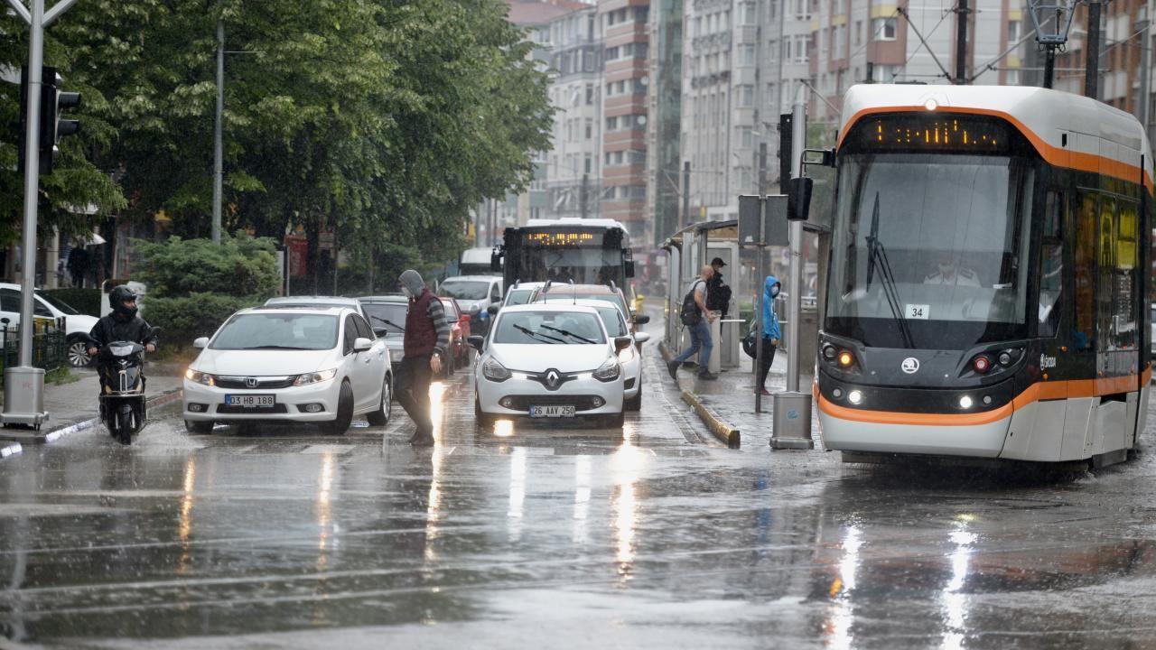 Meteoroloji'den kuvvetli yağış, fırtına ve hortum uyarısı! - Sayfa 4