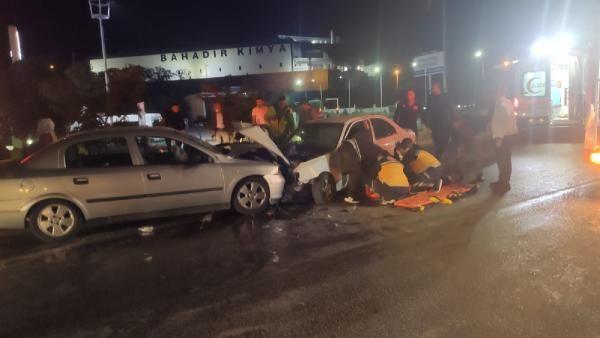 Kırıkkale'de iki otomobil kafa kafaya çarpıştı: 3'ü ağır 4 yaralı - Sayfa 2