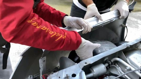 Cipin motor kısmındaki 8 kilo esrarı 'Dark' buldu - Sayfa 3