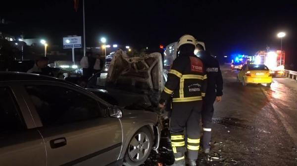 Kırıkkale'de iki otomobil kafa kafaya çarpıştı: 3'ü ağır 4 yaralı - Sayfa 3