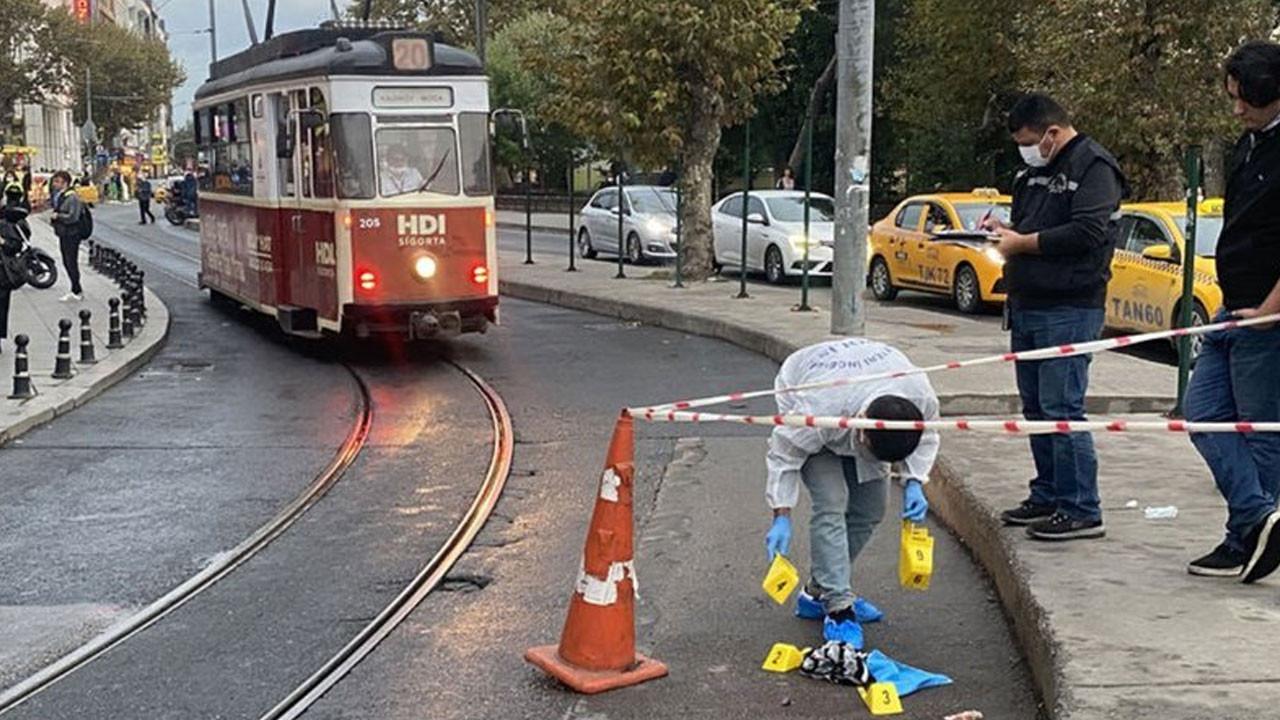 İstanbul'un orta yerinde tüyler ürperten olay! 7 kez bıçaklandı