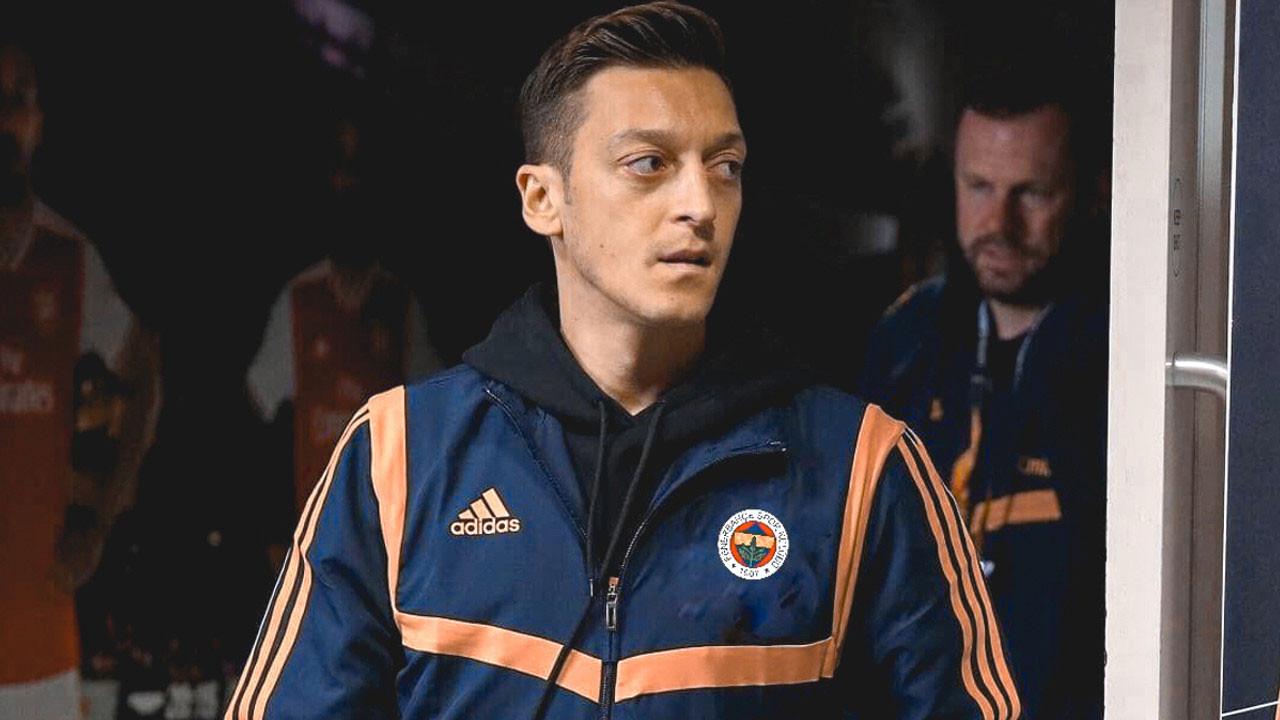 Mesut Özil'in paylaşımı Fenerbahçelileri mest etti
