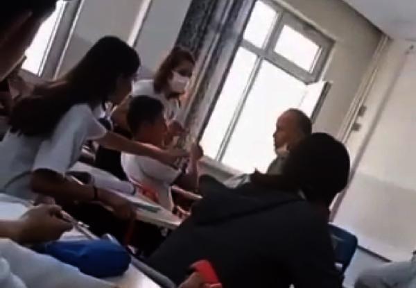 Sınıfta öğrencisini döven öğretmen açığa alındı - Sayfa 2