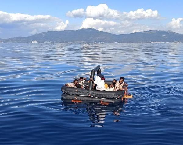 İzmir açıklarında 67 kaçak göçmen kurtarıldı - Sayfa 3