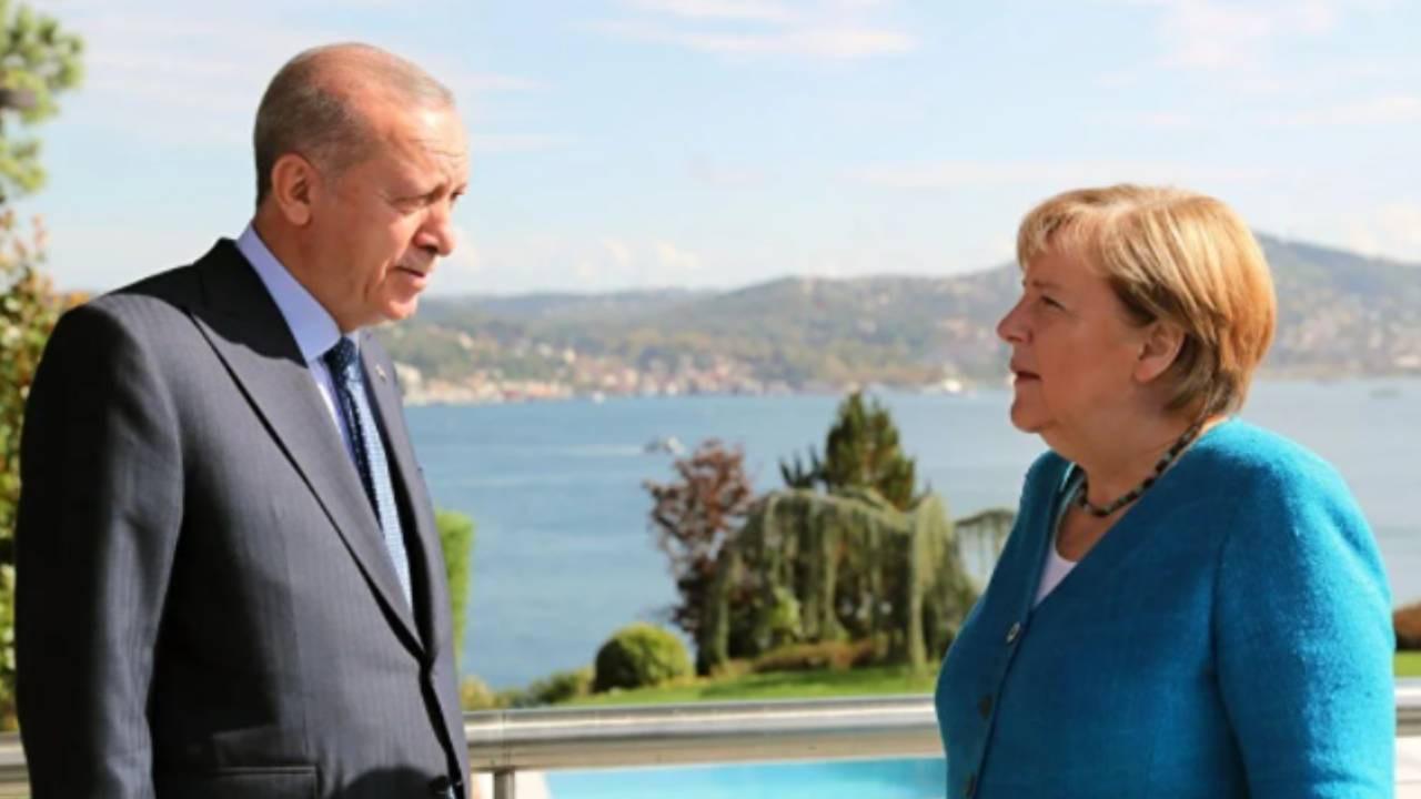 Merkel'den Türkiye'ye veda ziyareti: Erdoğan İstanbul Boğazı'nı anlattı