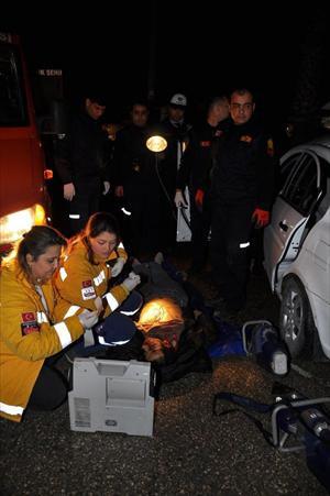 Adana'da Trafik Kazası: 2 Ölü 1 Yaralı