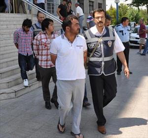 Denizli'de Avm Soygununa 5 Tutuklama