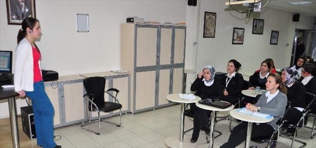 Manisa'da Hastane Personeline Bilgisayar Eğitimi