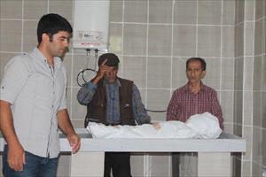 Minik Diyar'ın Cenazesini Babası Kucağında Getirdi