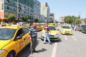 Taksicilerden Öldürülen Arkadaşları İçin Eylem