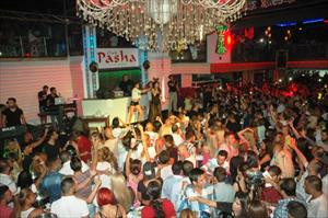 Bodrum'da Hande Yener izdihamı