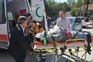 İskele kırıldı, düşen işçi yaralandı