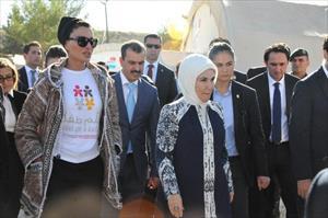 Erdoğan ve konuğu Suriyeli kadınlarla