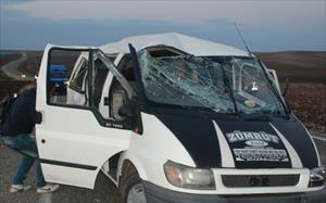 Şarampole yuvarlandı: Şoför ve 10 öğrenci yaralı
