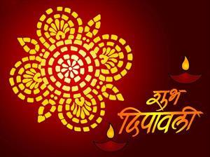 Hindistan Diwali Festivalini Kutluyor