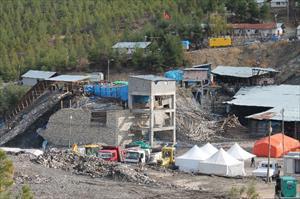 Madencileri arama çalışması sürüyor