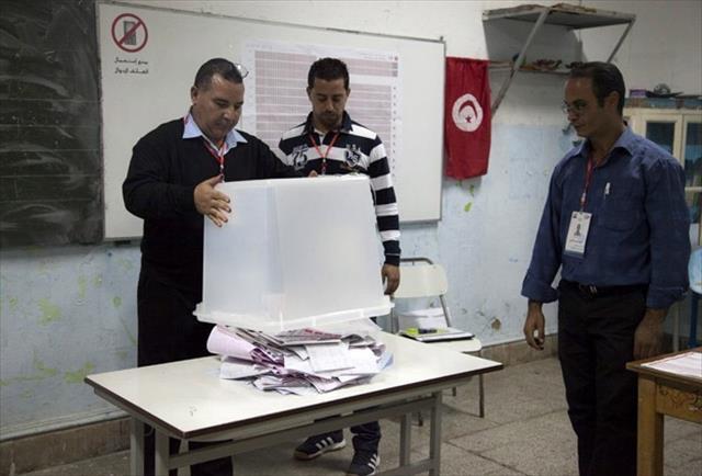 Tunus'ta oy verme işlemi sona erdi