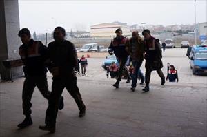 Göçmen kaçakçılığı yapan 6 kişi yakalandı