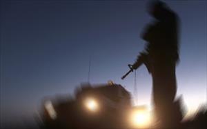 Askeri araç devrildi: 6 yaralı