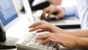 Uzun süre bilgisayar başında çalışanlar dikkat