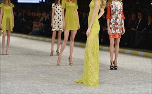Türk modacı Paris'e damgasını vurdu