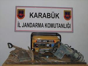 Jandarmadan kaçak kazı operasyonu: 9 gözaltı