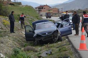 Ttrafik kazası: 1 ölü, 1 yaralı