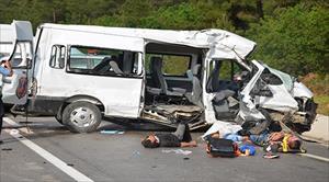 Cezaevi aracı kaza yaptı: 3 ölü, 6 yaralı